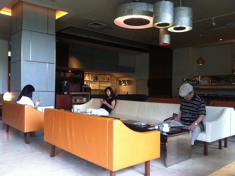 Tokyo Claska hotel lobby