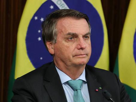 Bolsonaro volta a ameaçar não entregar cargo se urna eletrônica for mantida