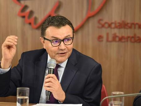 """Em debate Siqueira afirma que """"desenvolvimento capitalista é insustentável"""""""