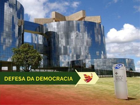 Subprocuradores-gerais pedem reação a quem atacar democracia