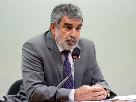 """Laerte Bessa diz que votou em Bolsonaro para ele """"dar golpe e acabar com o STF"""""""