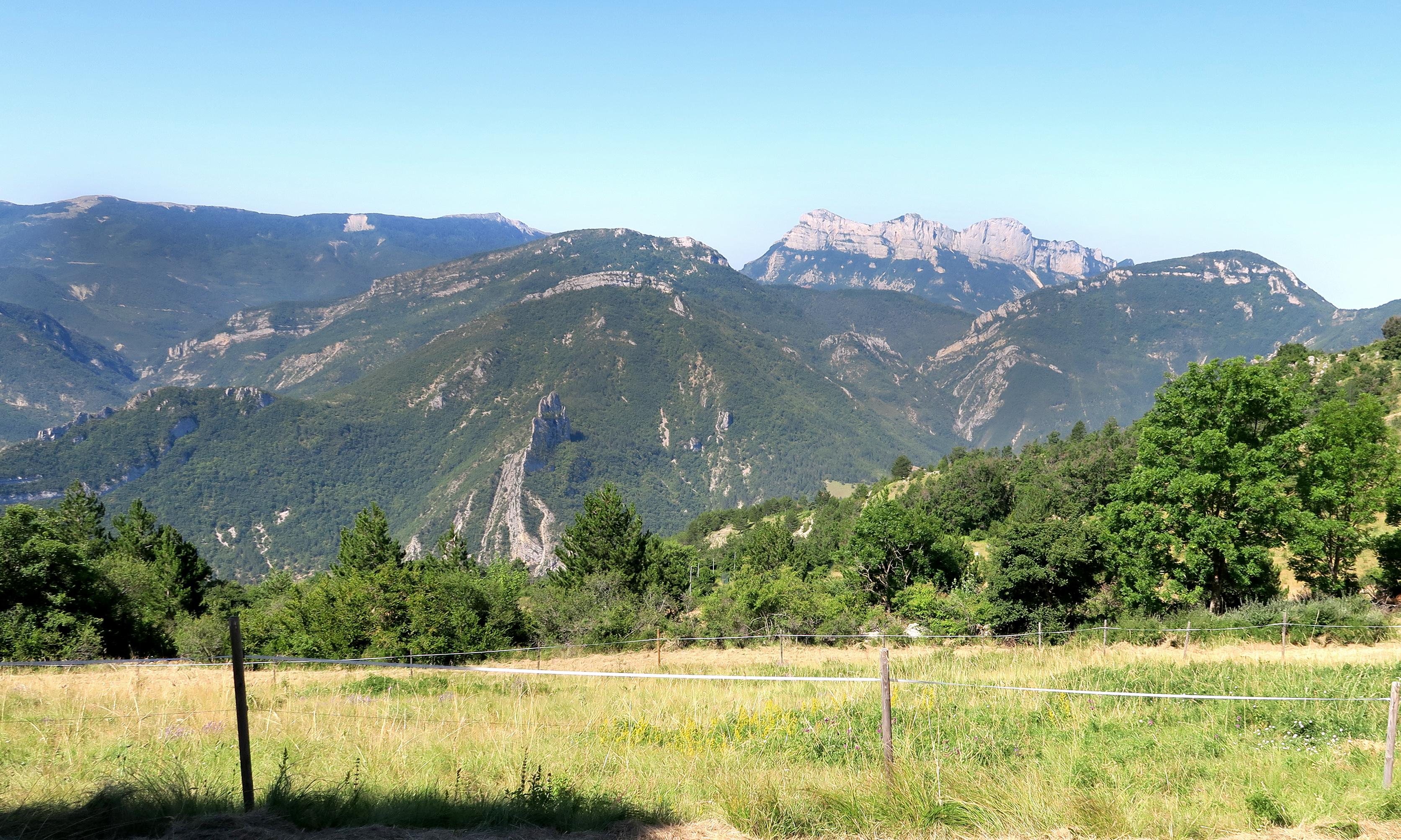 Gite Etape Drôme Rimon •Parc chevaux