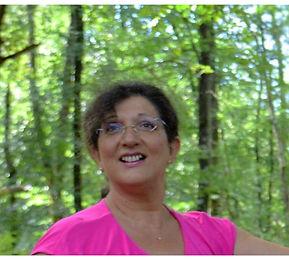 """Christiane Scibilia  Énergéticienne, Accompagnatrice, Médiatrice avec l'animal  """"Parce que la vie me passionne  C'est avec cœur et passion que j'entreprends...  C'est avec coeur et passion que je m'investis...  C'est avec cœur et passion que j'exerce  ma profession.""""       """