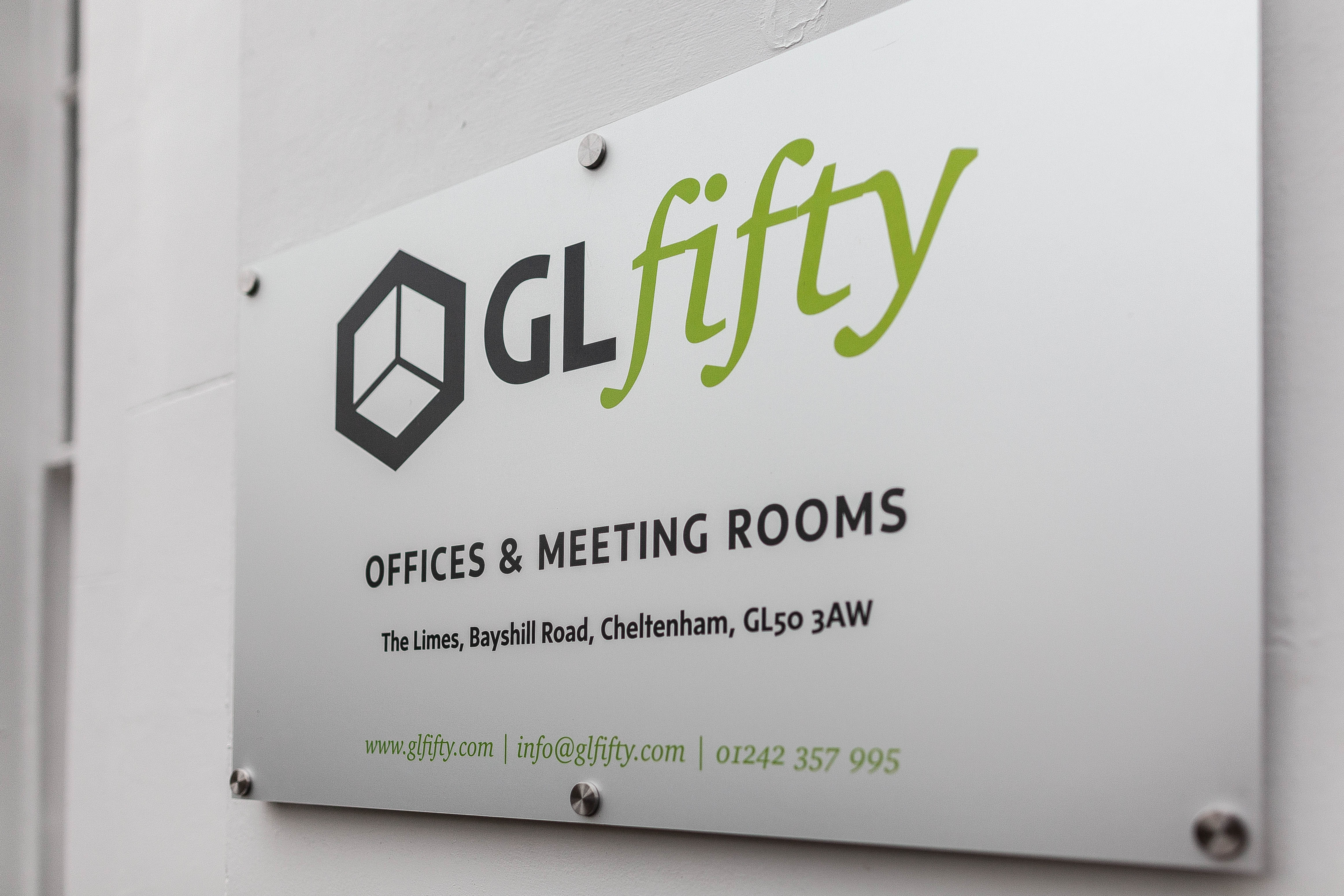 GLFifty flexible rolling contract private offices.