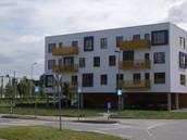 Korterelamud, Rõugu 2, Pikaliiva 92, fassaadide soojustamine, rõdu ja terrassi piirete paigaldus.