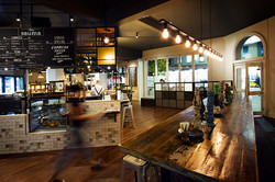Sauma_Long Table & Bar