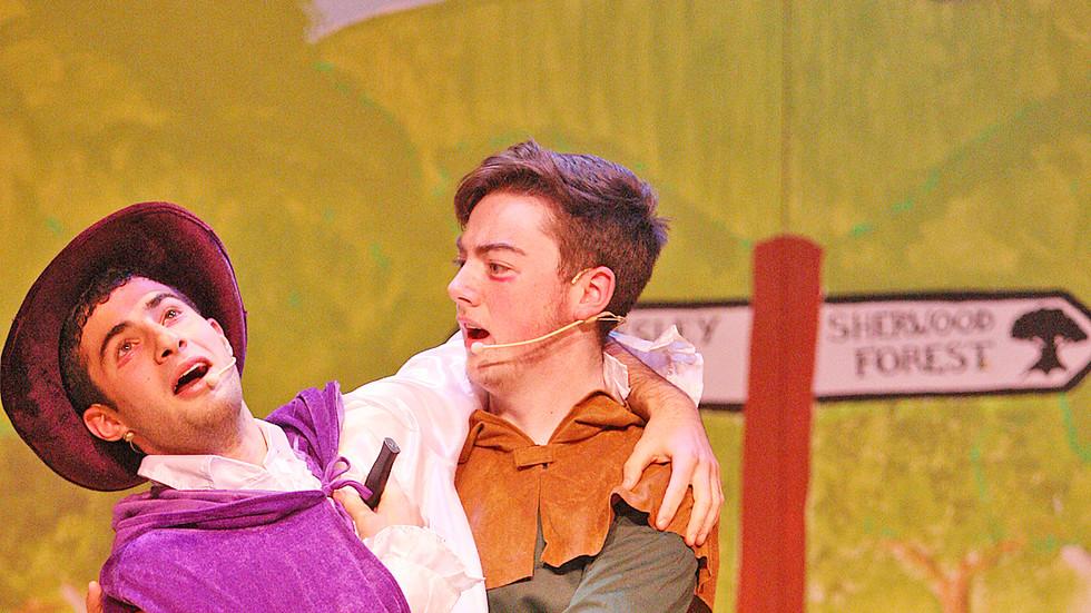 De La Salle Robin Hood Play 81212mj16.JP