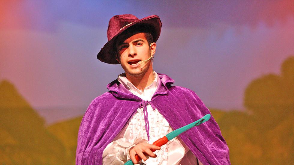De La Salle Robin Hood Play 51212mj16.JP