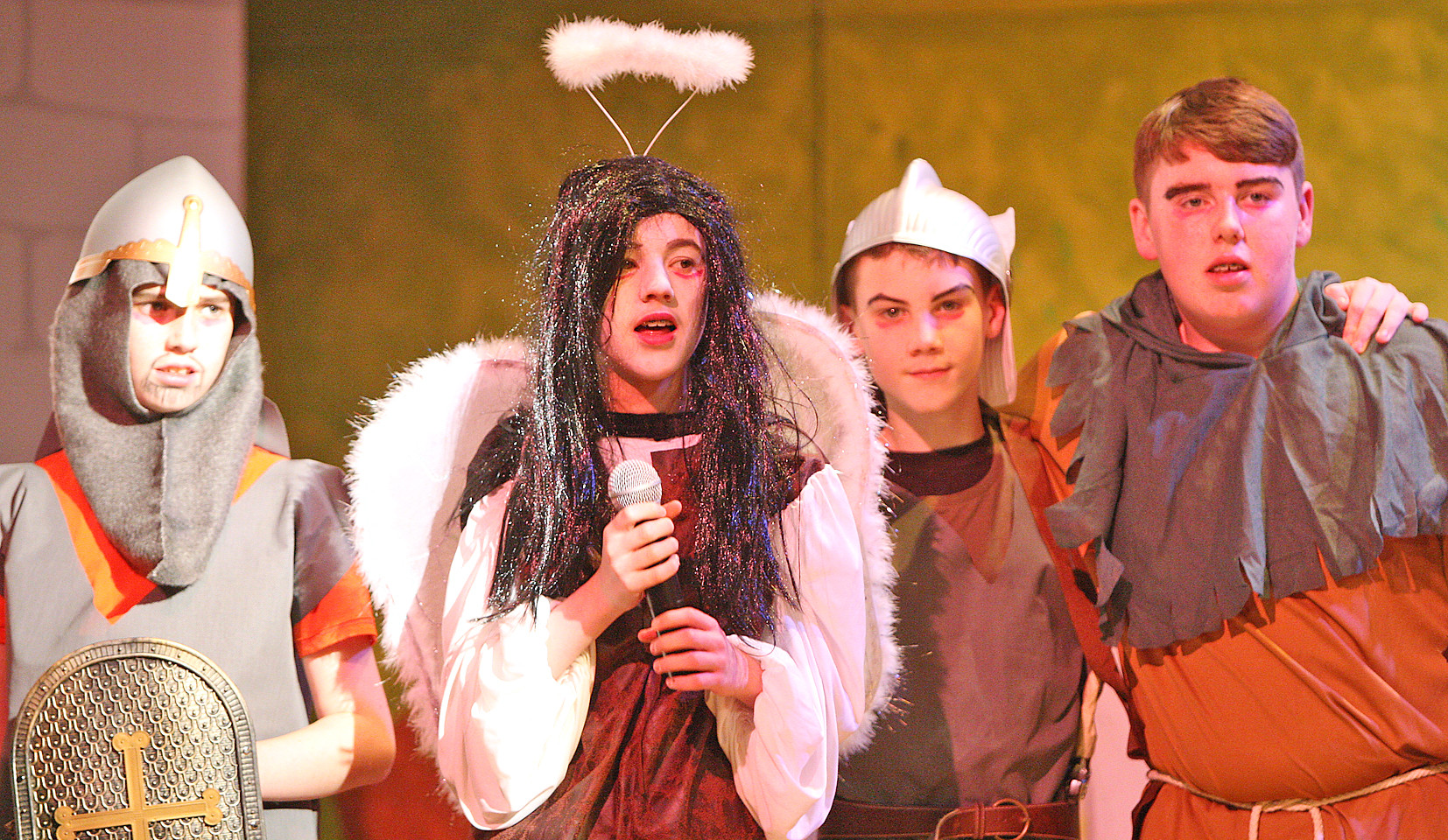 De La Salle Robin Hood Play 31212mj16.JP