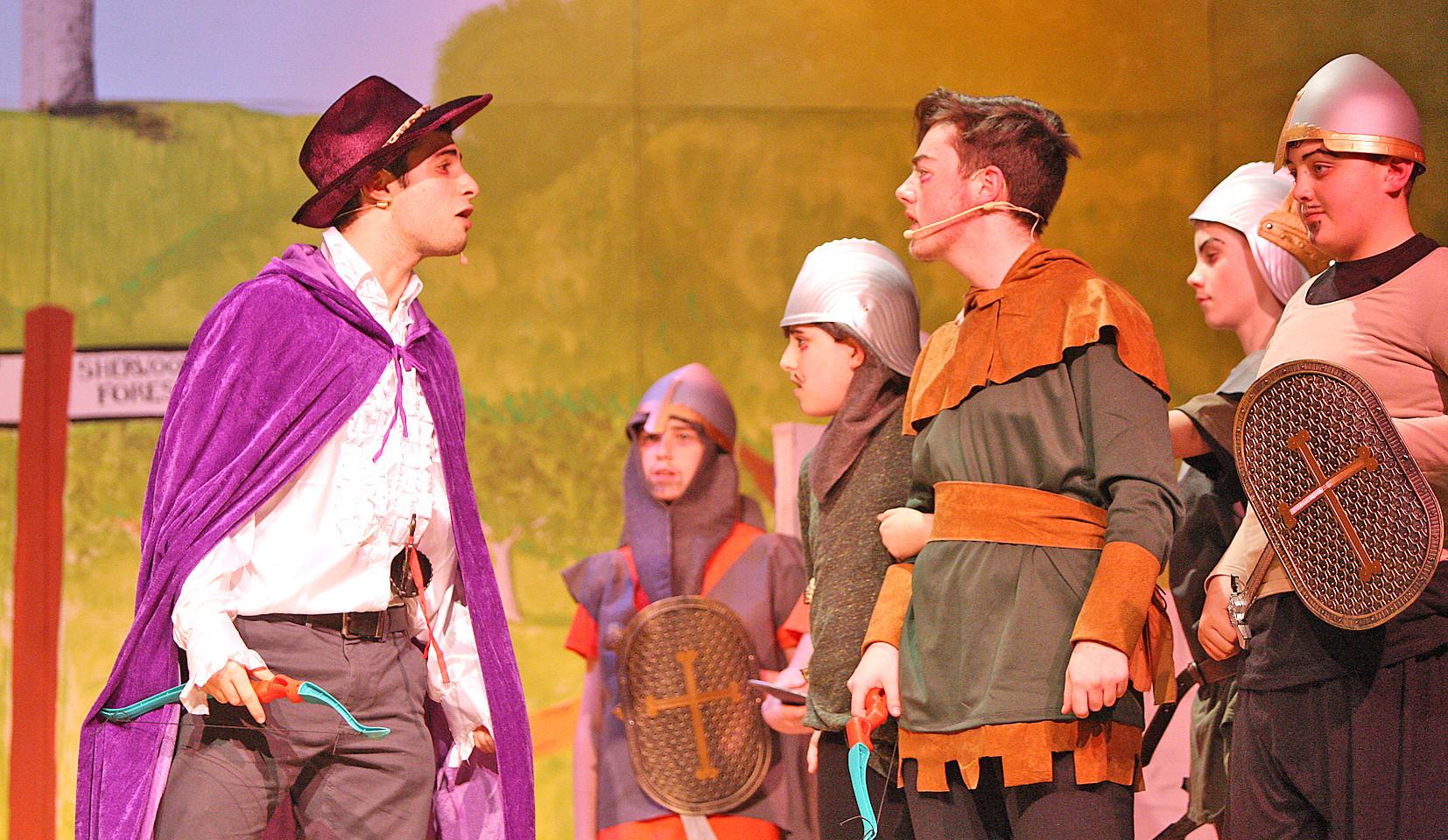 De La Salle Robin Hood Play 61212mj16.JP