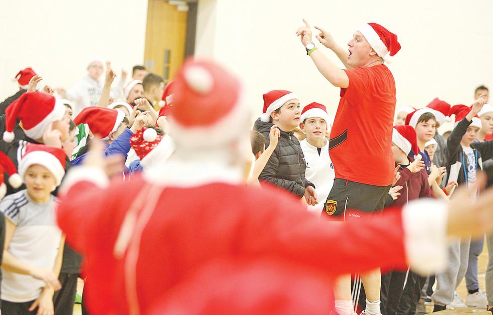 De La Salle Freddy Fitness Christmas 661