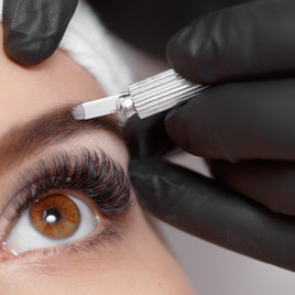 Permanent makeup eyebrows. Mikrobleyding