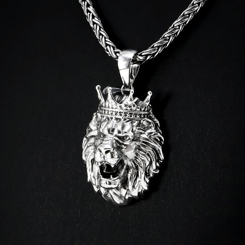 Lion with crown sterling silver pendant