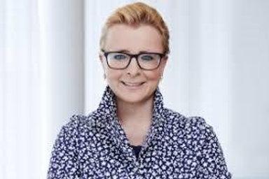Dir. Romana Gschiel-Hötzl