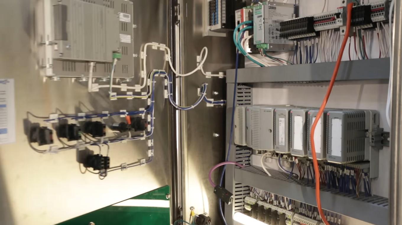 LA75 control panel