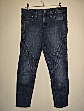 H&M size: EUR 34