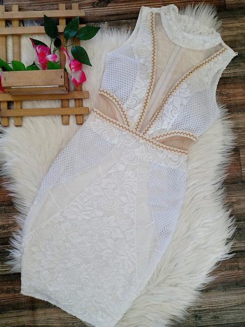 Vestido Renda Branco com Tule