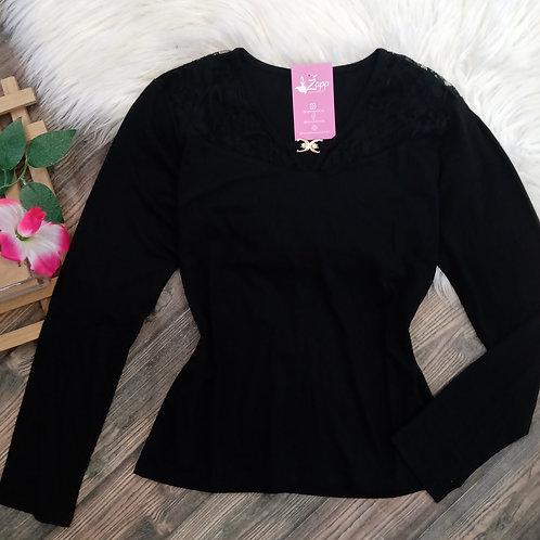 Blusa básica com renda preta