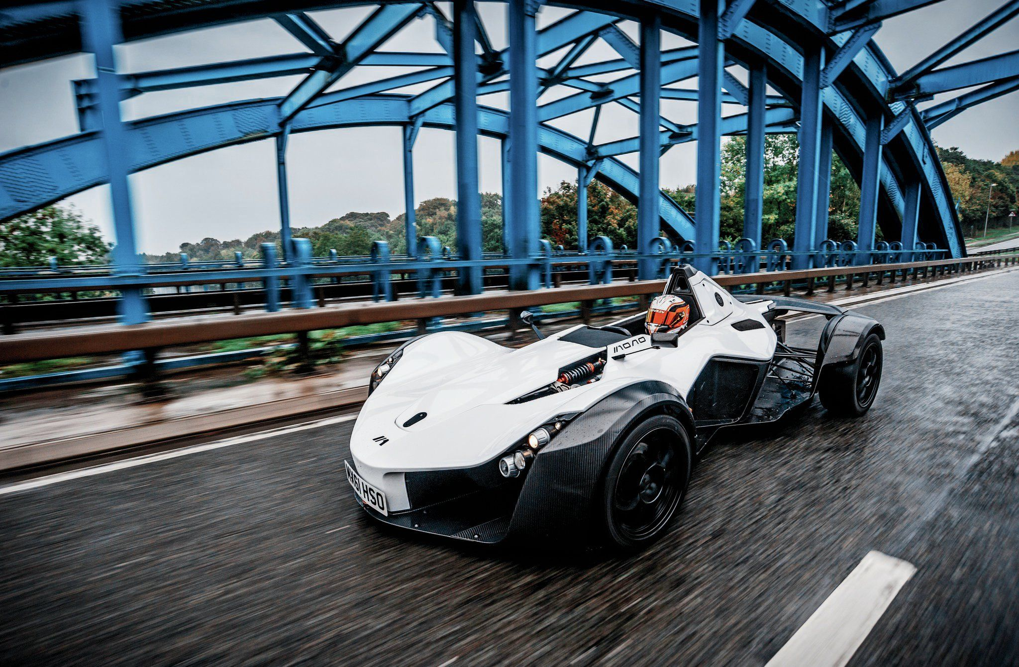 2015-bac-mono-side-front-view