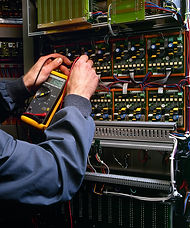 electrician-testing-industrial-machine-P