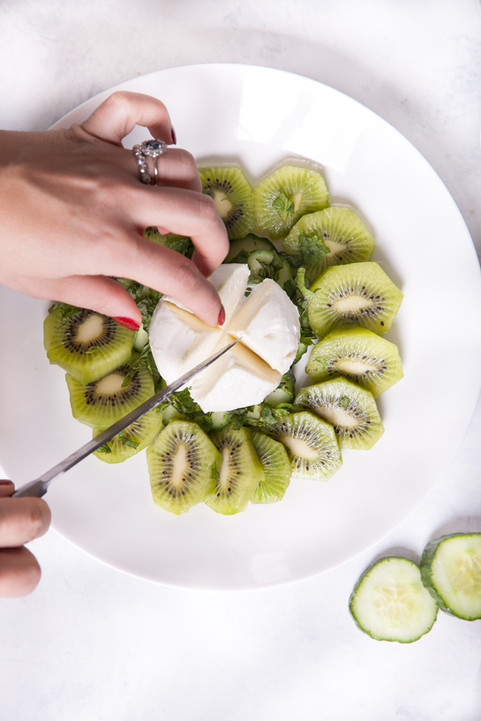 Kiwi, cucumber Salad
