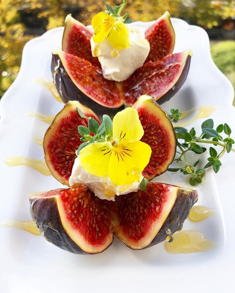 Figs with Honey & Goat Cheese