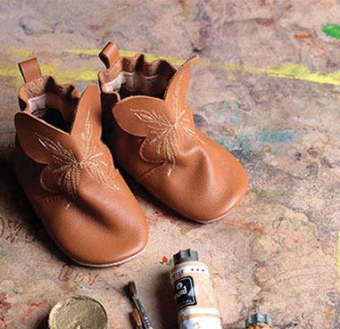 JOLEE-MOME_LOUISON-chaussons-peinture-1-