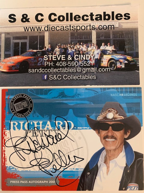 2004 Autograph Press Pass Signings / Richard Petty Box# AA