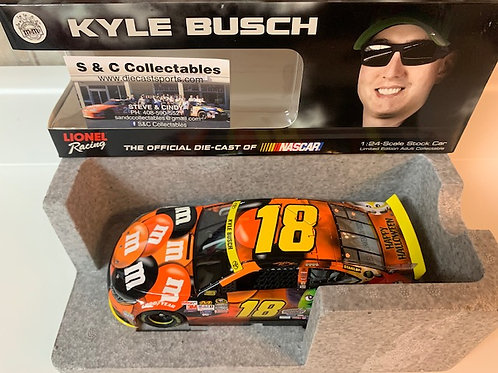 2015 M&M's Halloween / Kyle Busch 1:24 Wall
