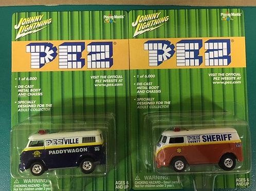 2001 PEZ  Sheriff & Blue Paddy wagon /Johnny Lightning - Hot Wheels 1:64 Shelf