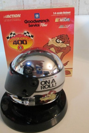 2001 GM Goodwrench  Looney Tunes Taz Helmet / Kevin Harvick 1:4