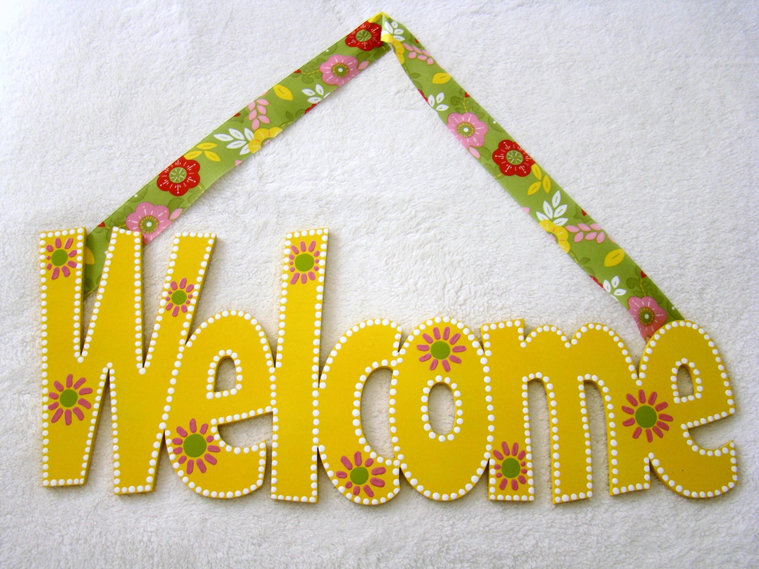 """Springtime """"Welcome"""" Door Sign"""