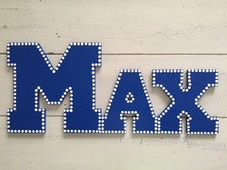 "Blue Dot Outline ""Max"""