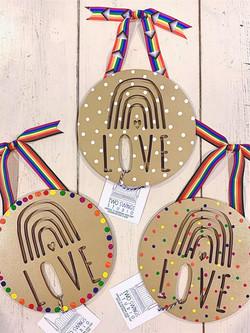 Medium Pride Rainbow Love
