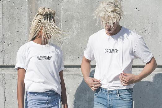 モデルTシャツ