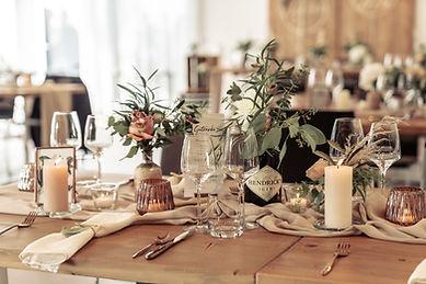 Weingut Bieselin - Tisch Detail.jpg