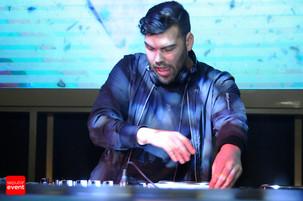 Sambut Natal, Blowfish Jakarta Sajikan Aksi DJ Moti