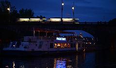 Crucero con cena.jpg