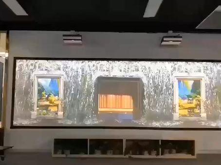 "Dual 4K Laser mix, 兩部 4K 激光投射, 挂在牆上, 做出巨大 180"" 寬屏幕. 效果今非惜比呀."