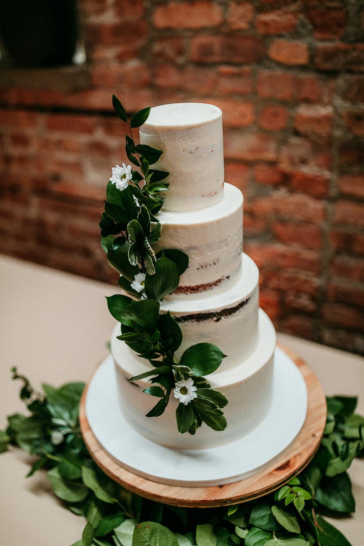 Amanda jen photography Starline factory Harvard il Julie Michelle cakes