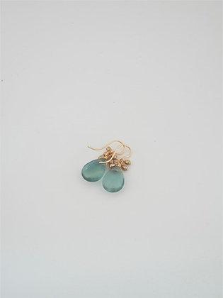 グリーンフローライトとゴールドパール房のピアス / Green fluorite & gold pearl pierce