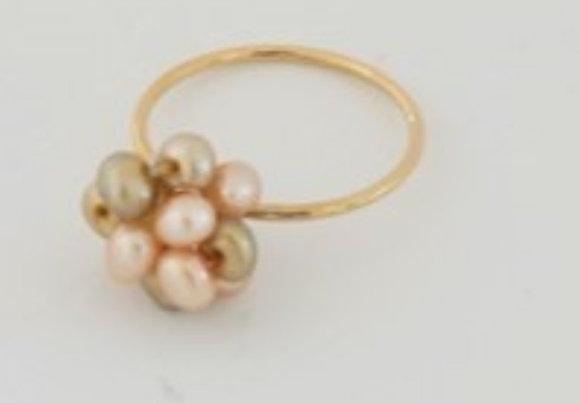 2色パールのボールリング / 2 color pearl ball ring