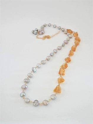 プレシャスシトリンとシルバーパールの2色ミディアムロングネックレス / Precious citrin & silver peral long necklace