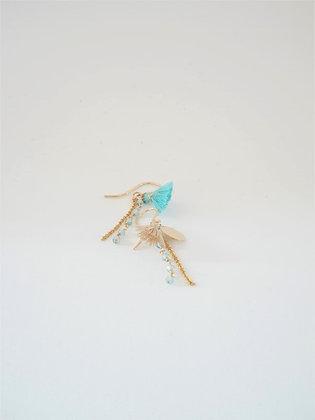ミニタッセルとブルージルコンのピアス  / Mini tassel & blue zircon pierce