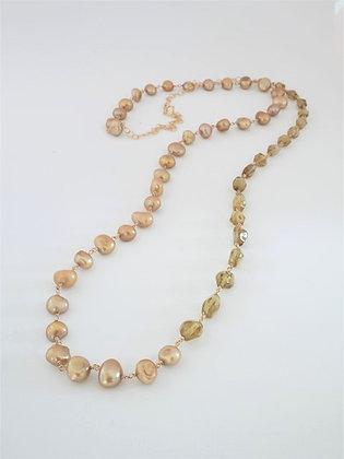 グリーンアパタイトとゴールドパールの2色ミディアムロングネックレス / Green apatite & gold pearl long necklace
