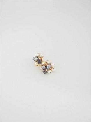 パールとマルチストーンのスタッドピアス(アイオライト) /  Pearl & multi stone pierce (Iolite)