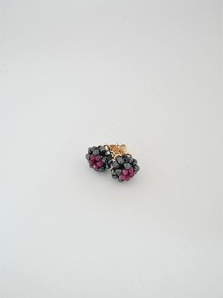 ブラックスピネル&ルビーの2色ボールスタッドピアス  / Black spinel & ruby ball pierce