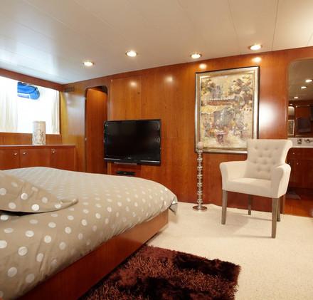 seven-yachts-charter-8.jpg