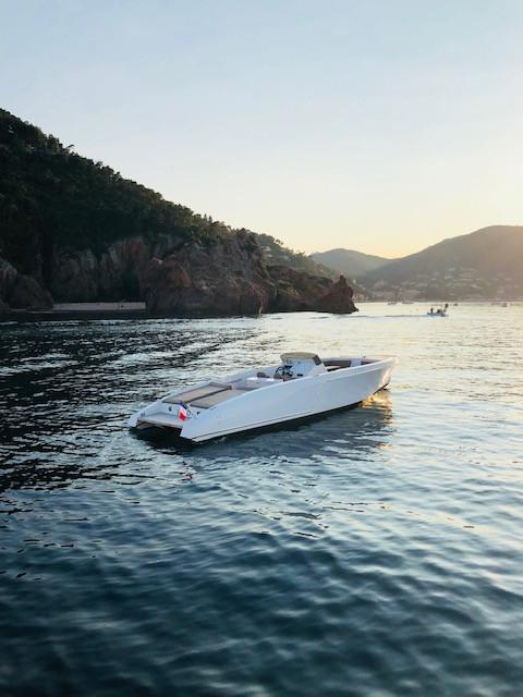 frauscher-1017-lido-seven-yachts-2.jpg