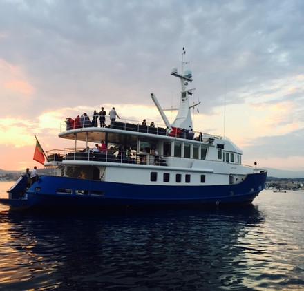 SEVEN YACHTS - yacht charter -.jpg